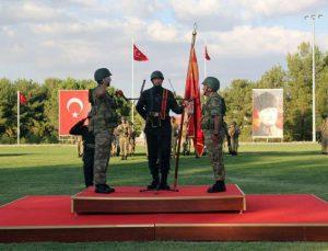 1'inci Hudut Alay Komutanlığında sancak ve görev teslim töreni