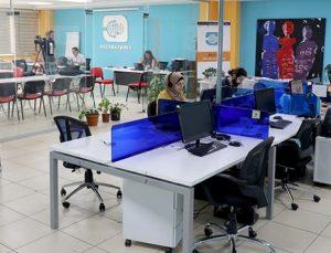 250 metrekarelik ofisten yayın yapan Rozana FM'i 2 buçuk milyon Suriyeli dinliyor