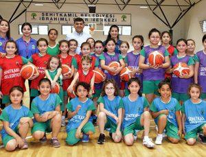 Basketbol başarıyı arttırıyor