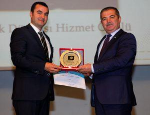 Büyükşehir'e Türk Dünyası hizmet ödülü