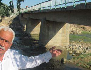 Çürüyen köprü çökme tehlikesiyle karşı karşıya