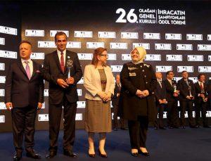 Erdemoğlu Dış Ticaret en büyük halı ihracatçısı ödülüne layık görüldü