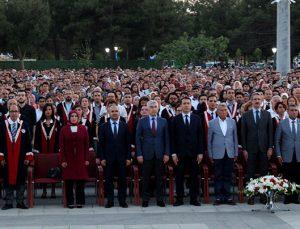 GAÜN'den 8 bin 750 öğrenci mezun oldu