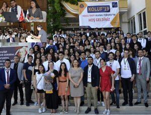 Gençler ülke sorunlarını masaya yatırdı