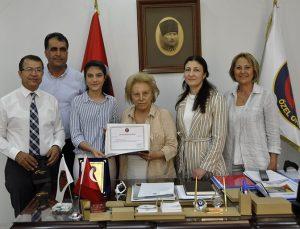 LGS Türkiye birincisi Soydinç, Nüket Ersoy'u ziyaret etti