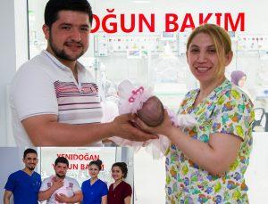 Parmak bebek yaşam mücadelesini kazandı