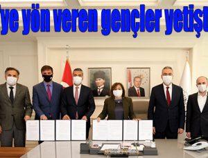 Türkiye'ye yön veren gençler yetiştirilecek