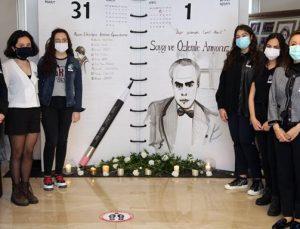 Cemil Alevli portrelerini kara kalem tekniğiyle çizdiler