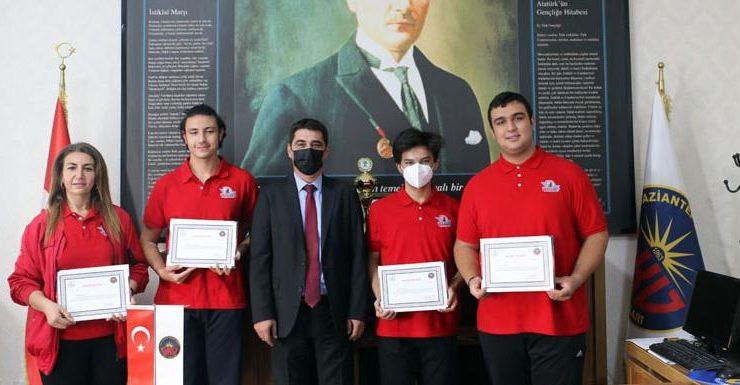 TEKNOFEST 2021 Yarışması'nda Başarılı olan GKV'lilere ödül
